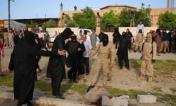 El Estado Islámico ejecutó a dos hombres en Irak arrojándoles bloques de hormigón (8)
