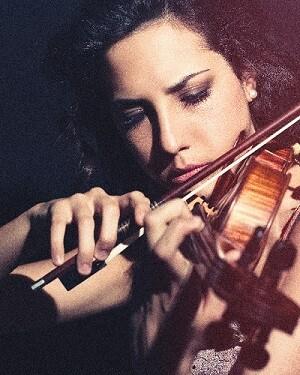 Elina Rubio durante una de sus conciertos.