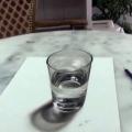 Este vaso de agua sorprenderá y confundirá a su mente   Arte  YouTube   América