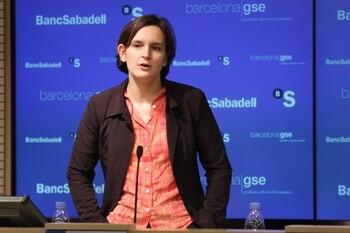 Esther Duflo en una conferencia ofrecida en España.
