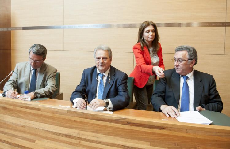 Firma convenio rutas medioambientales foto_Abulaila (5)