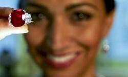Fotos el rubí del amanecer que se vendió en u$s 30,3 millones (7)
