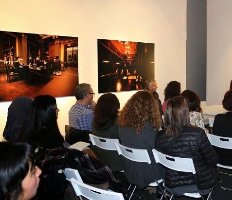 Imagen de una charla en una foto de archivo.