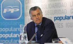 LUIS BARCENAS EN LA JUNTA DIRECTIVA DEL PP