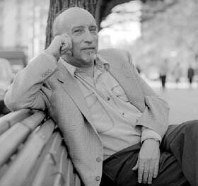Manuel Vicent en una imagen promocional.