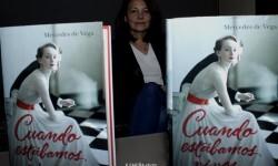 Mercedes de Vega  hurga con delicadeza en los amores e infidelidades de una mujer dispuesta a vivir en un mundo en conflicto.