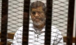 Mohamed Mursi durante su juicio el pasado año.