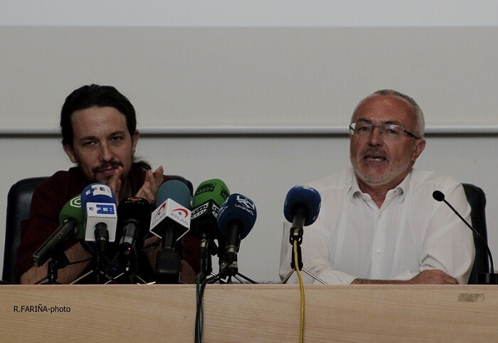 Pablo Iglesias y Antonio Montiel durante el acto en la Universidad.