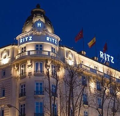 Parte superior del Hotel Ritz de Madrid.