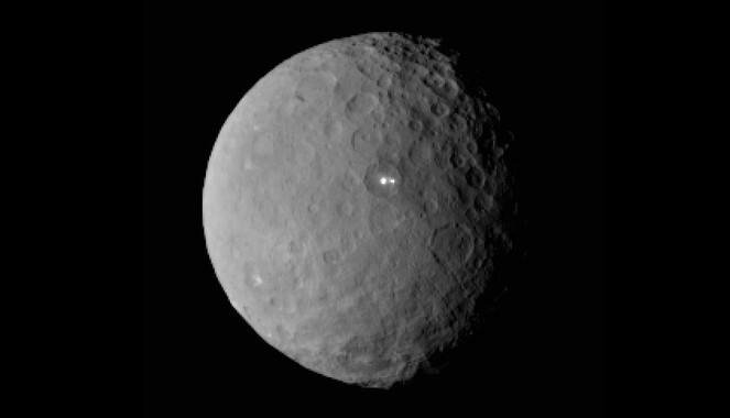 Que-son-las-misteriosas-manchas-brillantes-de-Ceres_image_380