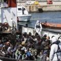 Rescate de inmigrantes.
