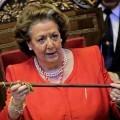 Rita Barberá con la vara de la alcaldía.