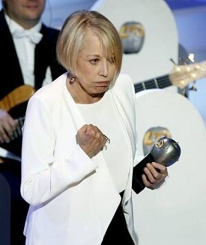 Rosa María Sardá recogió su premio enviando un claro ' class=