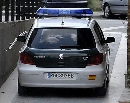 Un hombre mató a su mujer y al jefe de ésta en Almería.