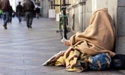 Uno de cada cinco españoles vive bajo el umbral de la pobreza según datos del INE.