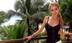 Valeria Lukyanova la Barbie humana (19)