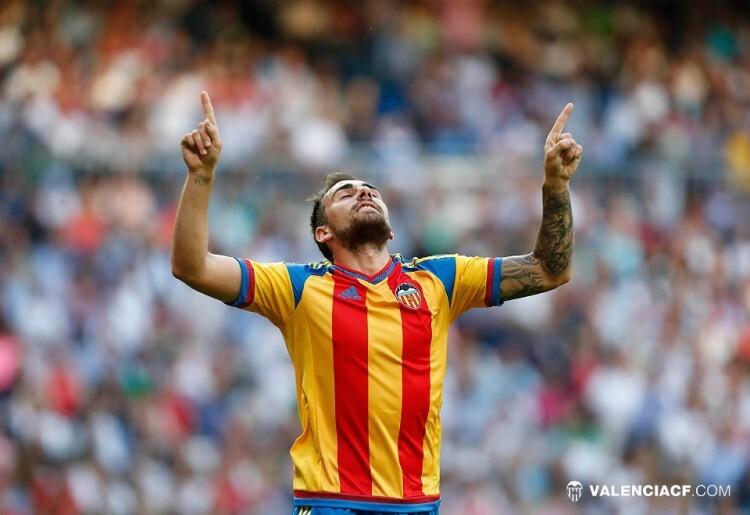 Paco Alcácer confirmó su condición de killer valencianista ante el Real Madrid y dedicó como siempre el gol a su padre, que en paz descanse.