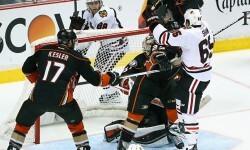 Increíble gol de cabeza visto en la NHL