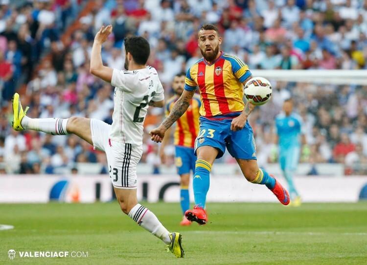 El 'general' Otamendi no dejó respirar a Isco, y el Real Madrid lo notó.