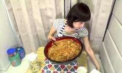 Japonesa come 4 kilos de fideos en pocos minutos