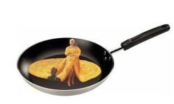 rihanna_amarilla Los mejores Memes del vestido amarillo de Rihanna (6)