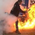 Si vas a 'quemar' rueda procura no quemar tu moto