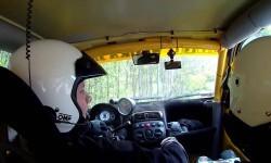 Un piloto de 'rally' halla la alternativa a conducir sin volante
