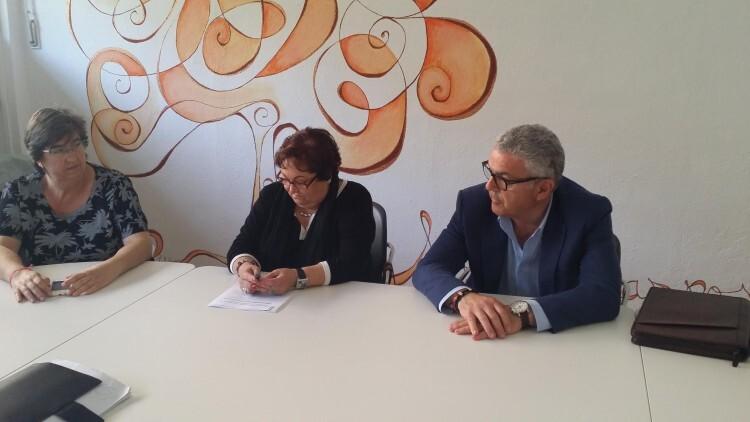 Los responsables de la federación vecinal y de la empresa, respectivamente, explican los pormenores de la campaña.