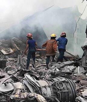 Al menos hay 30 muertos y todavía se desconoce el número de heridos.