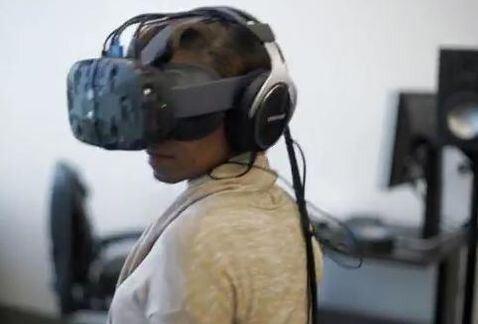 Casco_realidad_virtual_Star_Wars-Star_Wars_realidad-Star_Wars_casco_MILVID20150612_0025_24