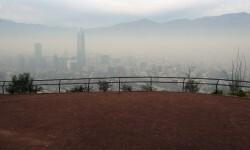Chile decretó la emergencia ambiental por polución en Santiago.