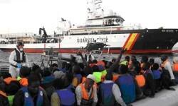 El buque Río Segura participa en tareas de rescate.