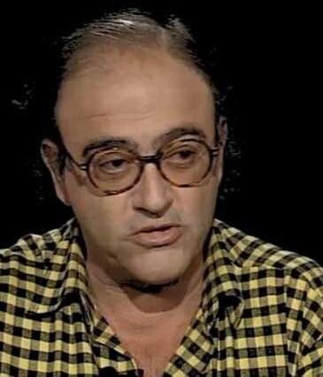 El compositor y músico Carles Santos en una entrevista en televisión en los años 90' class=
