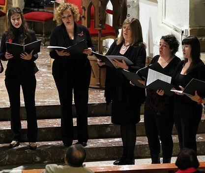 El coro de mujeres 'A cau d' class=
