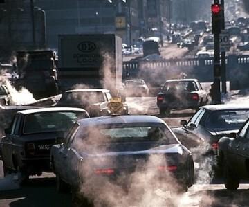 El decreto retiraría de las calles alrededor del 40 por ciento de los 1,7 millones de automóviles de la capital (foto de archivo)