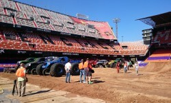 El estadio del Mestalla para la Monster Jam  (8)