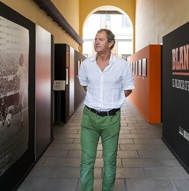 Exfutbolista del Valencia CF, Botubot, visitó la exposición la semana pasada en la exposición ' class=