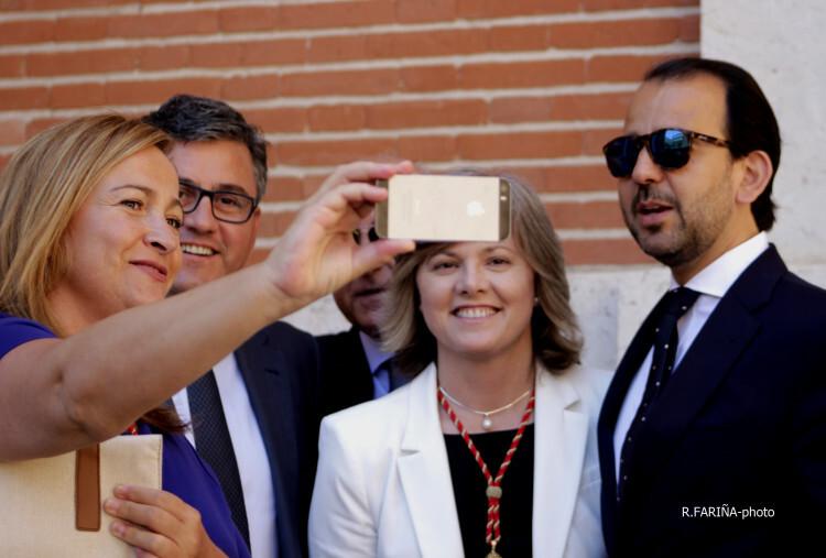Concejales del PP haciéndose un selfie tras uno de los actos del Corpus.