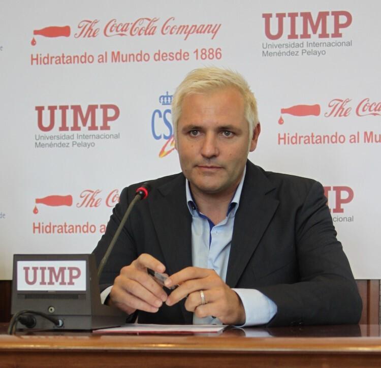Santiago Cañizares, durante su ponencia en la UIMP.