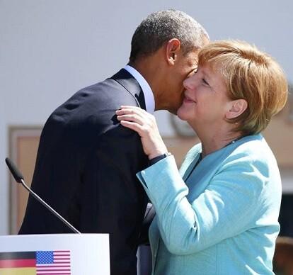 La canciller alemana, Angela Merkel, saluda al presidente de Estados Unidos, Barack Obama.