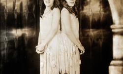 La increíble historia de las verdaderas hermanas siamesas Daisy y Violet Hilton (2)