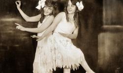La increíble historia de las verdaderas hermanas siamesas Daisy y Violet Hilton (6)