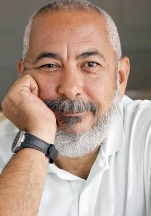 Leonardo Padura, es el primer cubano que recibe el galardón.