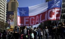 Manifestación en Santiago para despenalizar la marihuana.