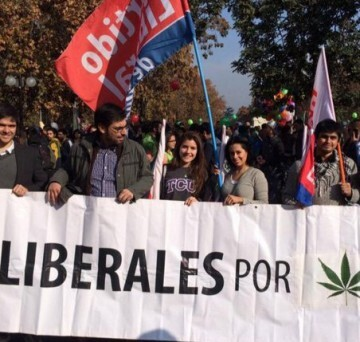 Manifestantes chilenos durante la marcha para la despenalización de la marihuana.