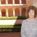 May Gil, directora del Archivo Provincial en el claustro de San Miguel de los Reyes.