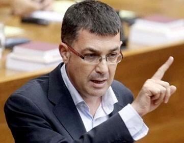 """Morera acusa a la vicepresidenta del Gobierno de """"desconocimiento de las leyes"""" porque la Agencia Tributaria Valenciana """"figura en el Estatuto aprobado en 2006""""."""