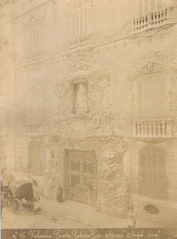 Palacio Marqués de Dos Aguas. Foto Ángel. Ca. 1899. A. P. R. S.