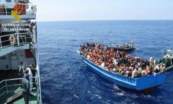 Rescatan a 589 inmigrantes en aguas italianas al sur de la isla de Lampedusa  2015-06-08_Rescate_inmigrantes_Rio_Segura_02 (4)