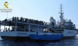 Rescatan a 589 inmigrantes en aguas italianas al sur de la isla de Lampedusa  2015-06-08_Rescate_inmigrantes_Rio_Segura_02 (7)